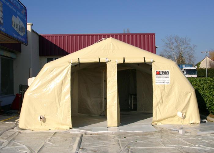 Tente militaire de décontamination